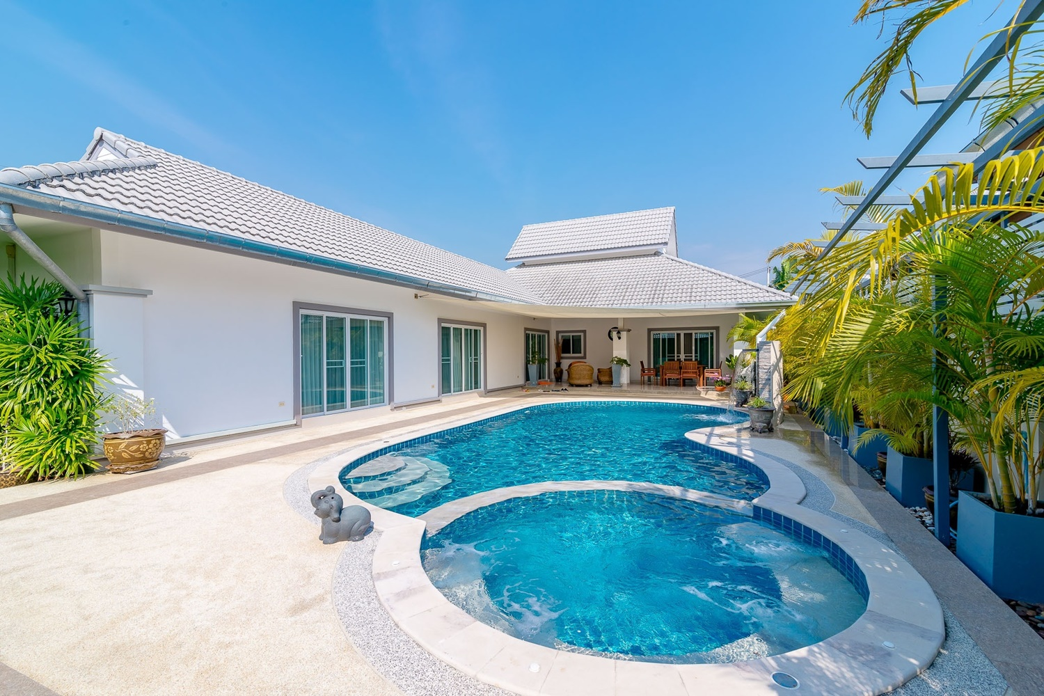 Lovely Villa HuaHin For Sale