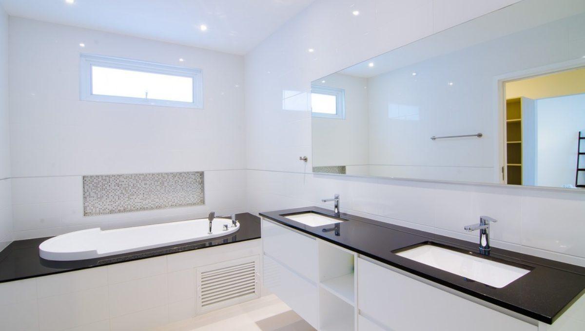 batch_FH P203 Master Bathroom-1