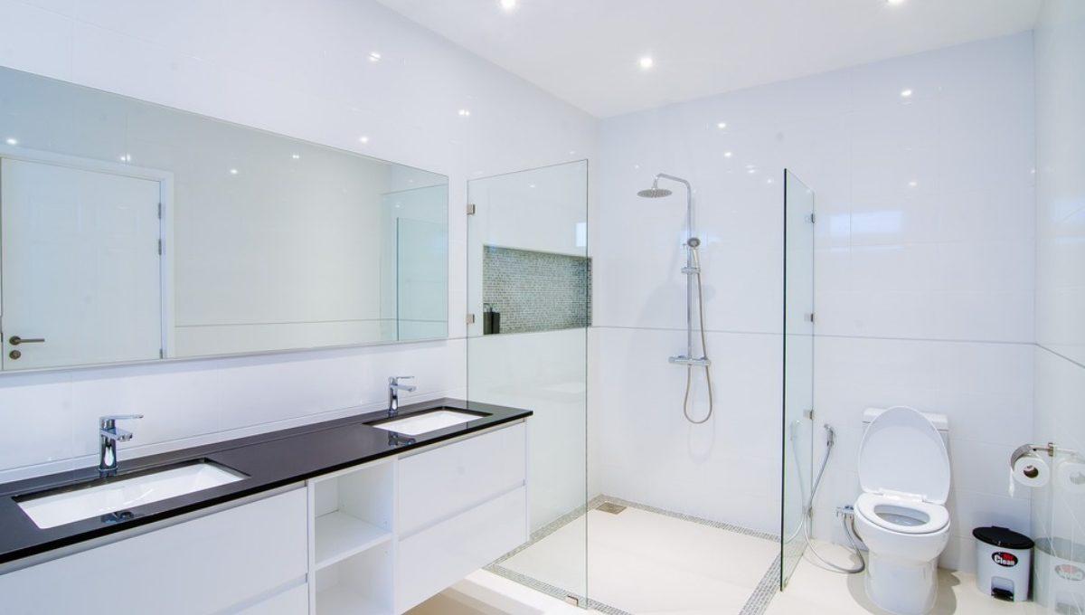 batch_FH P203 Master Bathroom2