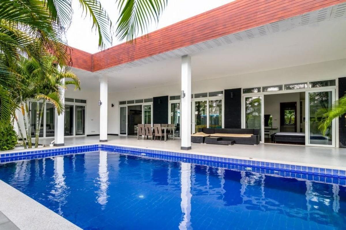 Modern House Style Pool Villa