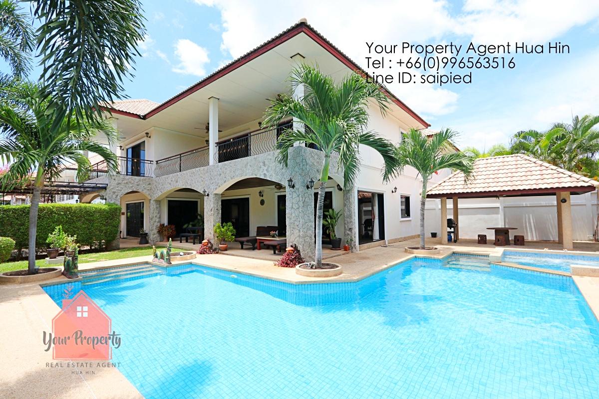 4 bedrooms Villa Hua Hin