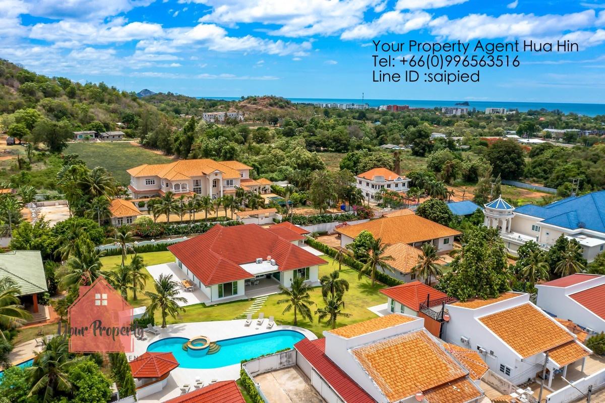 6 Bedrooms Villa Hua Hin