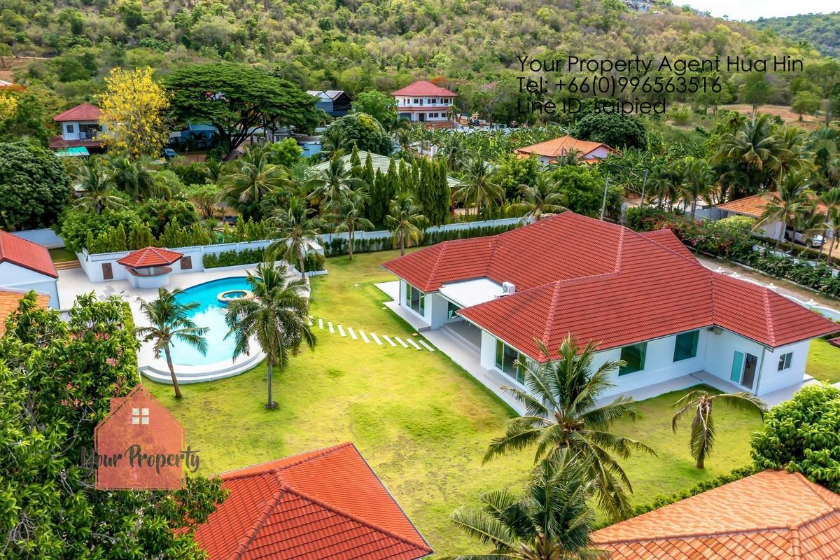 6 Bedrooms Pool Villa Hua Hin